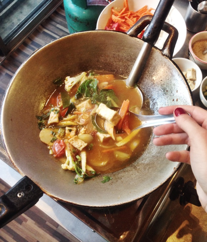 Tom yam in the wok