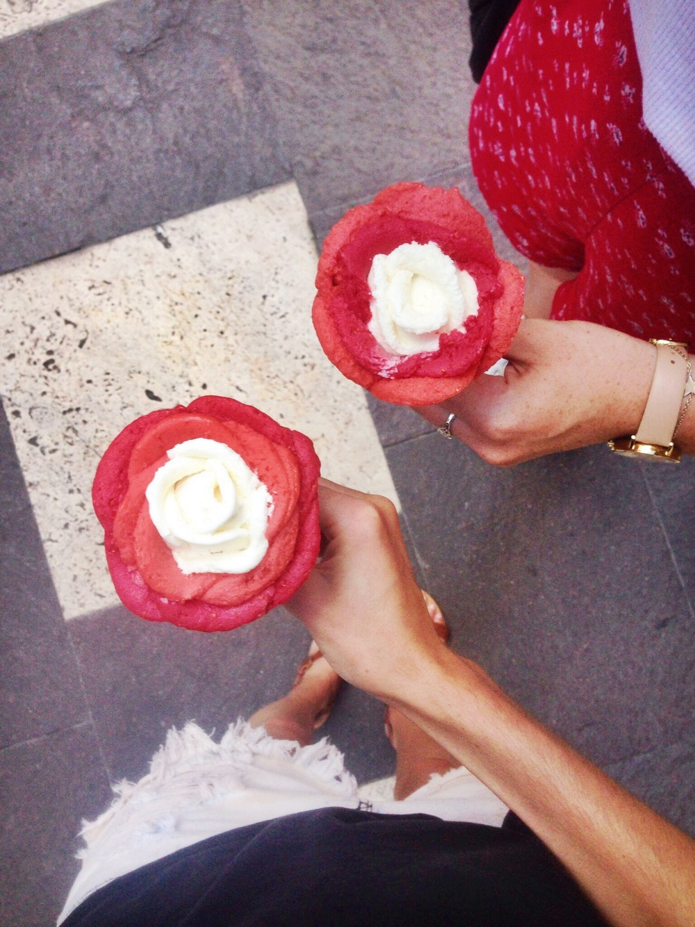 Feeding our gelato addiction with roses