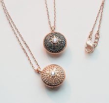 Swarovski-Pendants-at-Fleet-Plummer