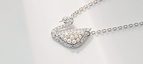 Swarovski-Necklaces-at-Fleet-Plummer