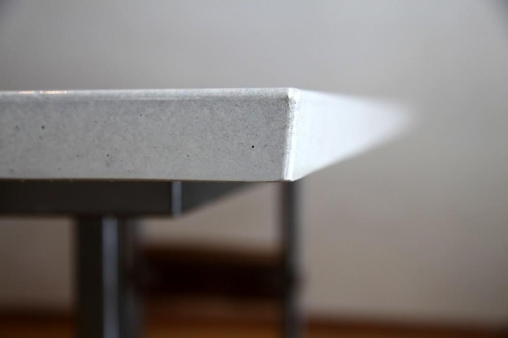 desk-1b.jpg