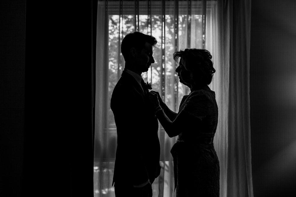 Lauren Brennan Mount Washington Mill Dye House Baltimore MD Wedding-033.jpg