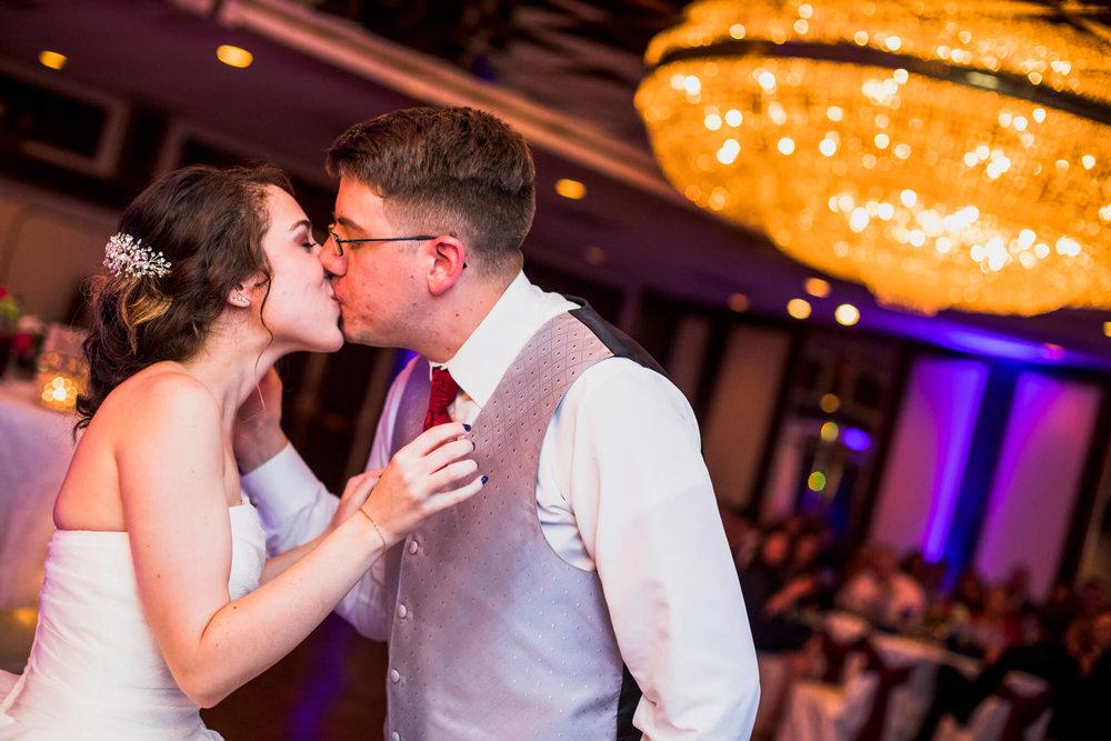 Jackie Andrew La Fontaine Bleu Lanham MD Wedding-22.jpg