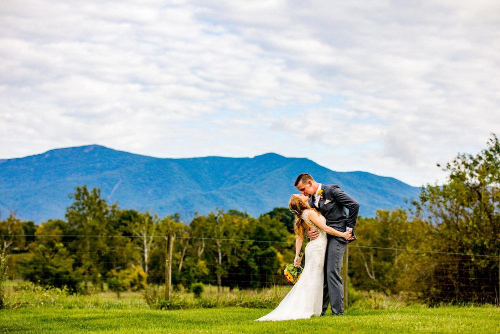Briana Ron Stover Hall Luray VA Wedding Blueridge Mountains Shenandoah-19.jpg