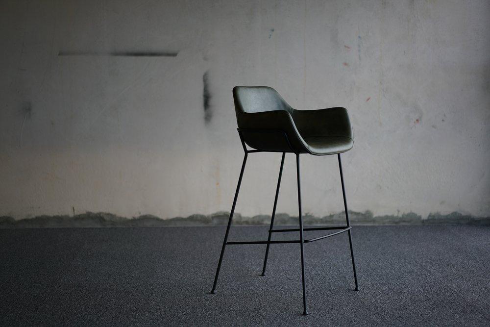vorsen-furniture-731026-unsplash.jpg