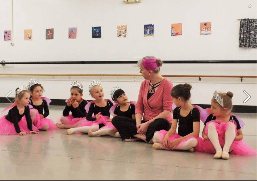 Melinda McAdams with her Creative Movement class