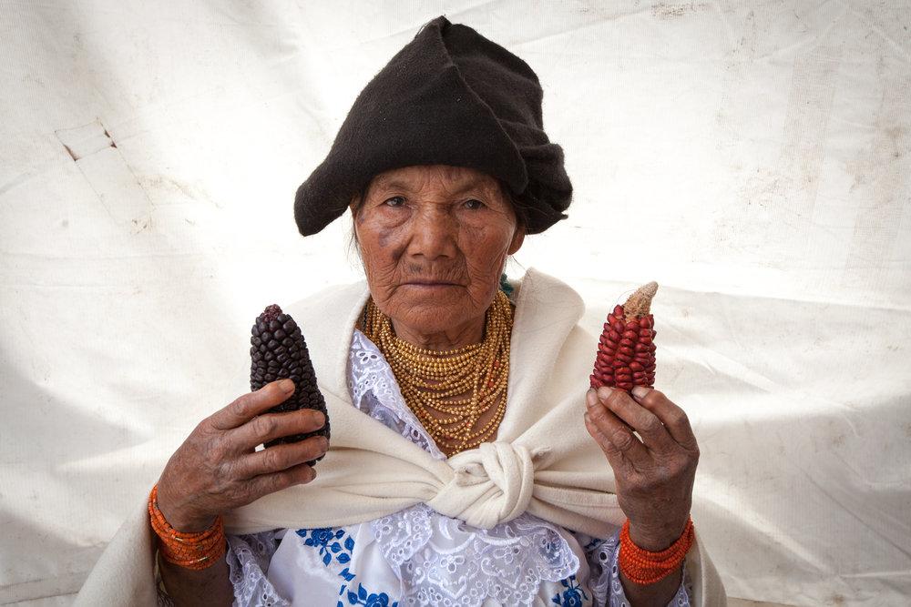 """Margarita Anrango,Mojandita, Otavalo, Ecuador  """"Para cada fiesta hay que tener el maíz. sin este maíz, no hay fiesta, porque esto es la alimentación principal."""""""
