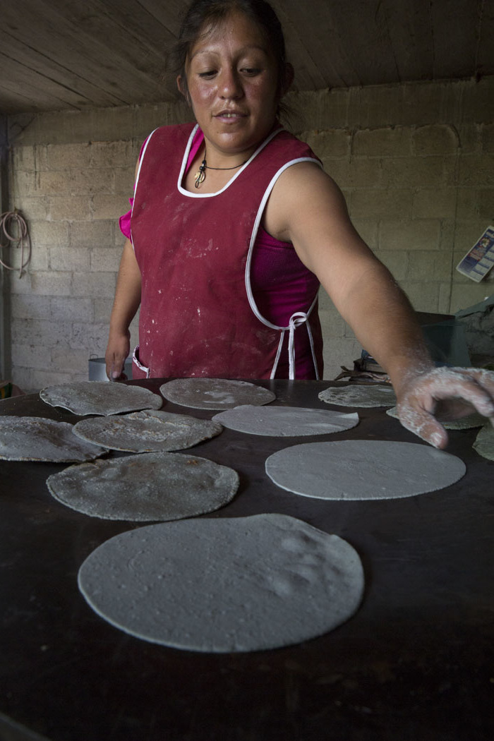 En San Juan Ixtenco, Tlaxcala, las tortillas siempre están frescas y hechas de cultivos locales.