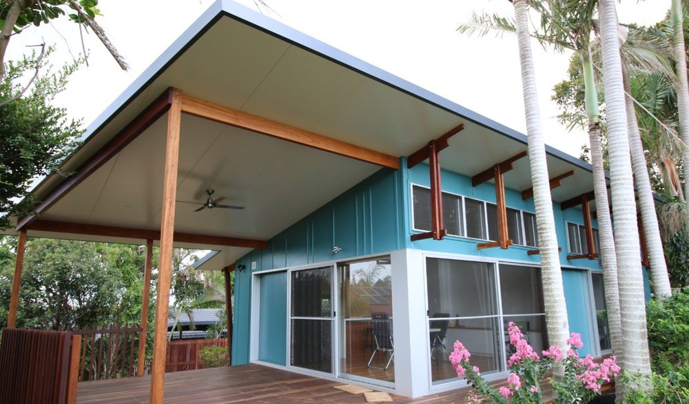 LENNOX HEAD SMALL HOUSE