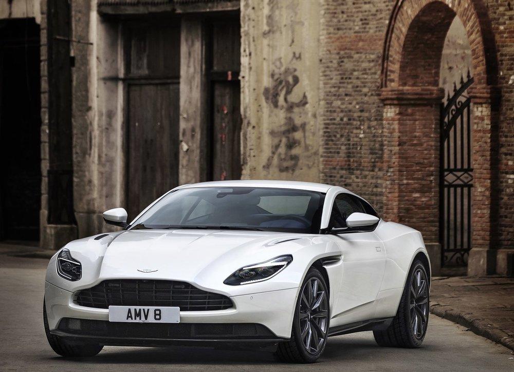 Aston_Martin-DB11_V8-2018-1600-01.jpg