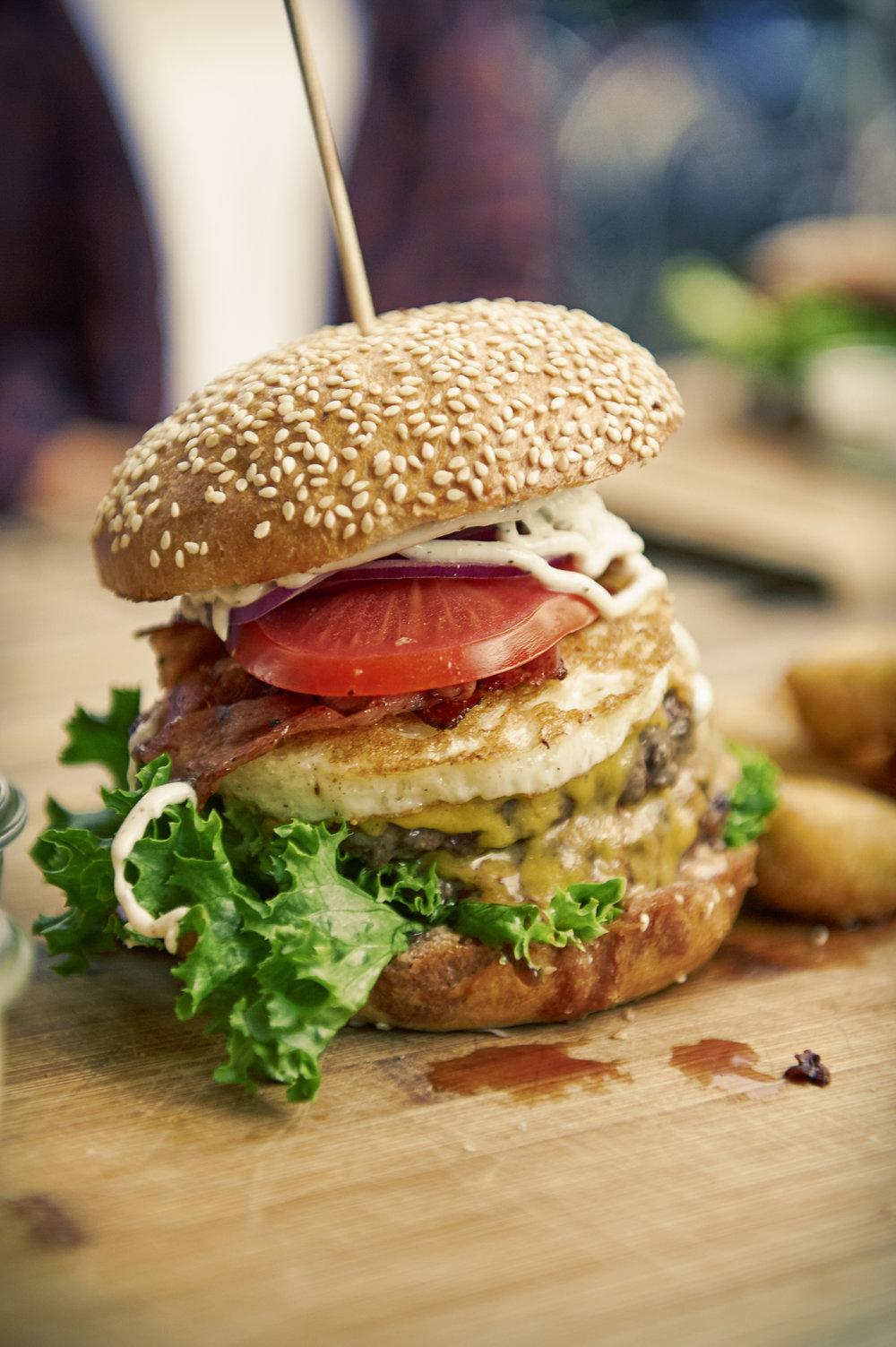 peace_love_burgers_29.jpg