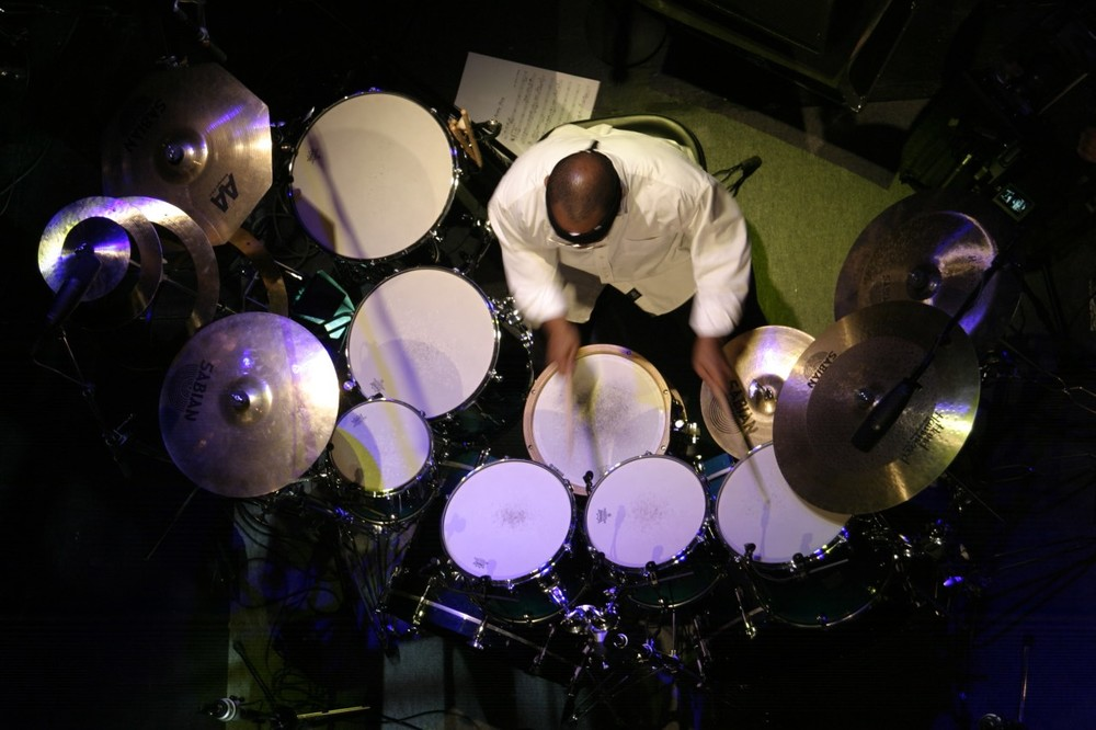 SONIC MIRROR_Billy Cobham_weit_April Jazz2.jpg