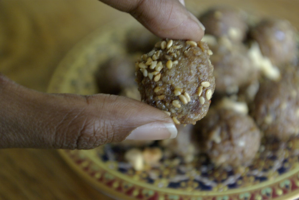 Dates Peanuts Sesame Energy Ball Bites Original Close Up The Beauty of Simplicity by Salwa Petersen.jpg