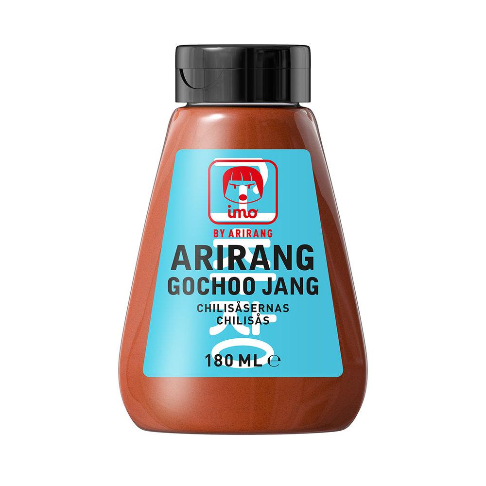 ArirangGochoo Jang - Vår Imo Arirang Gochoo Jang är delikat kryddad till en rik, balanserat het smak. Använd i all matlagning när du vill tillföra god hetta; i marinader, ssam (salladswrap), soppor, som dipsås…Ingredienser:Chilipasta (stärkelsesirap, vatten, ris, cayennepeppar, salt, risvin, lök, sojaböna, vitlök, ris, rismjöl, kornmjöl), glukos-fruktossirap, vatten, vegetabilisk olja (sesam), ättikssprit.Näringsdeklaration per 100 gram:Energi 1150 kJ/270 kcal, Fett 8,9 g (varav mättat fett 1,6 g), Kolhydrat 44 g (varav sockerarter 26,9 g), Protein 2,5 g, Salt 4,1 g.