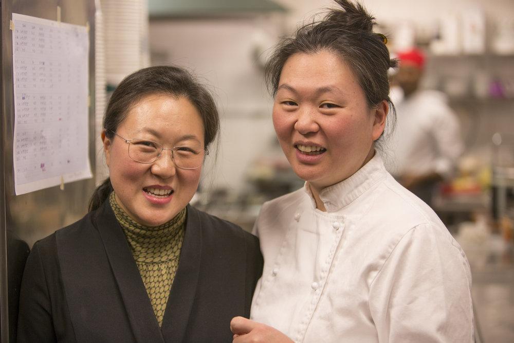 """Byung-Hi och Byung-Soon Lim på Restaurang Arirang: """"- Du behöver inte något recept. Du behöver en sås!"""""""
