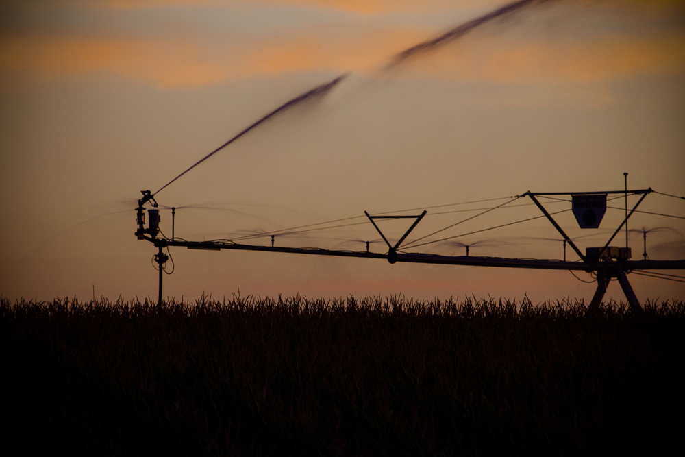9504888780_cc532fcbb1_o?format=1500w center pivot irrigation wiring diagrams center pivot valmont Black and White Irrigation Pivot at reclaimingppi.co