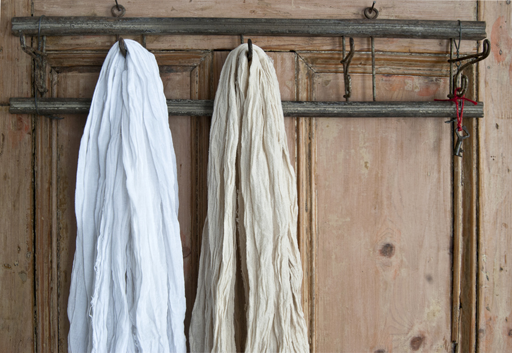 Muslin in white, natural and a range of bright colours.