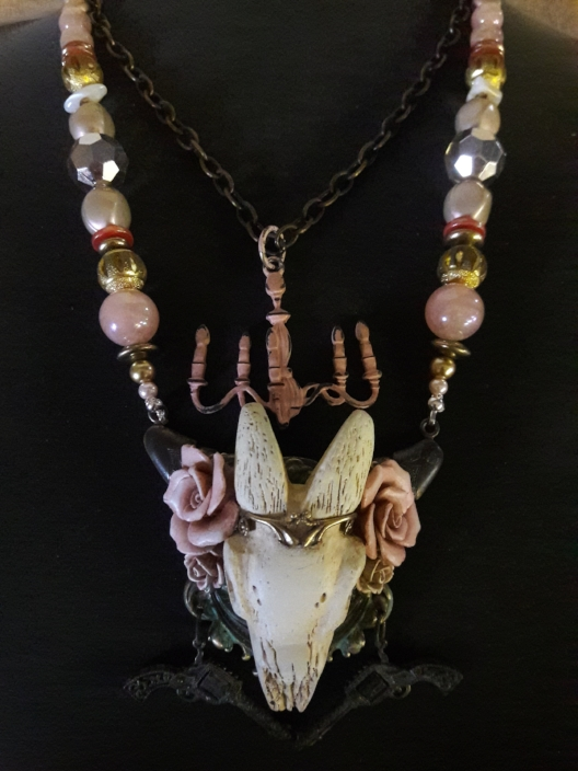 dusti necklace 1.jpg
