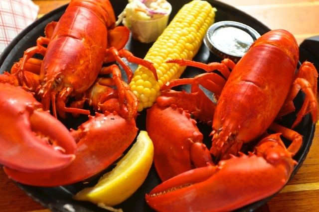 Robinson's Wharf - Lobster Dinner.jpg