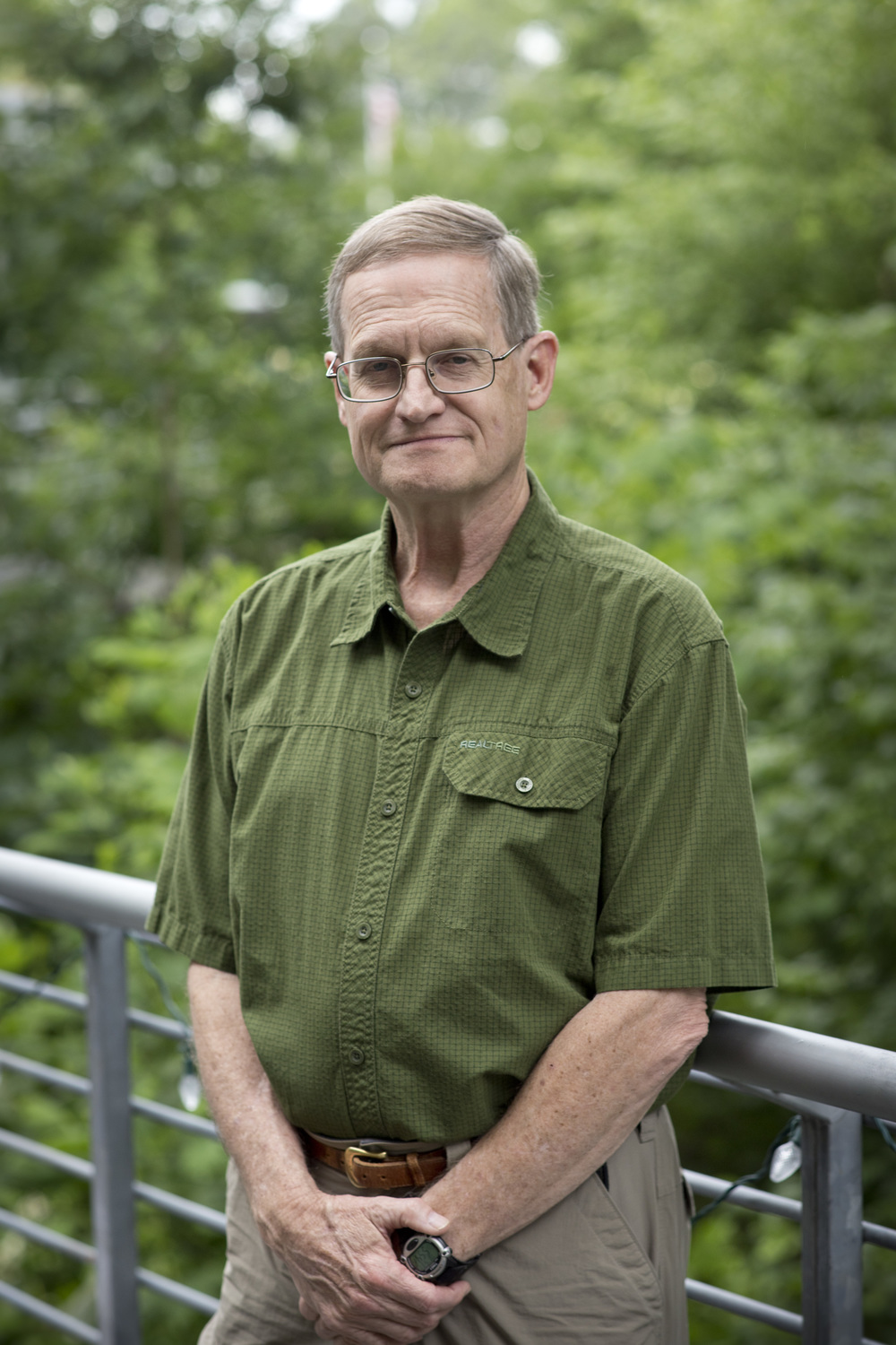 <p><strong>Carl Sloan</strong>Naturalist<a href=carlsloan>More →</a></p>