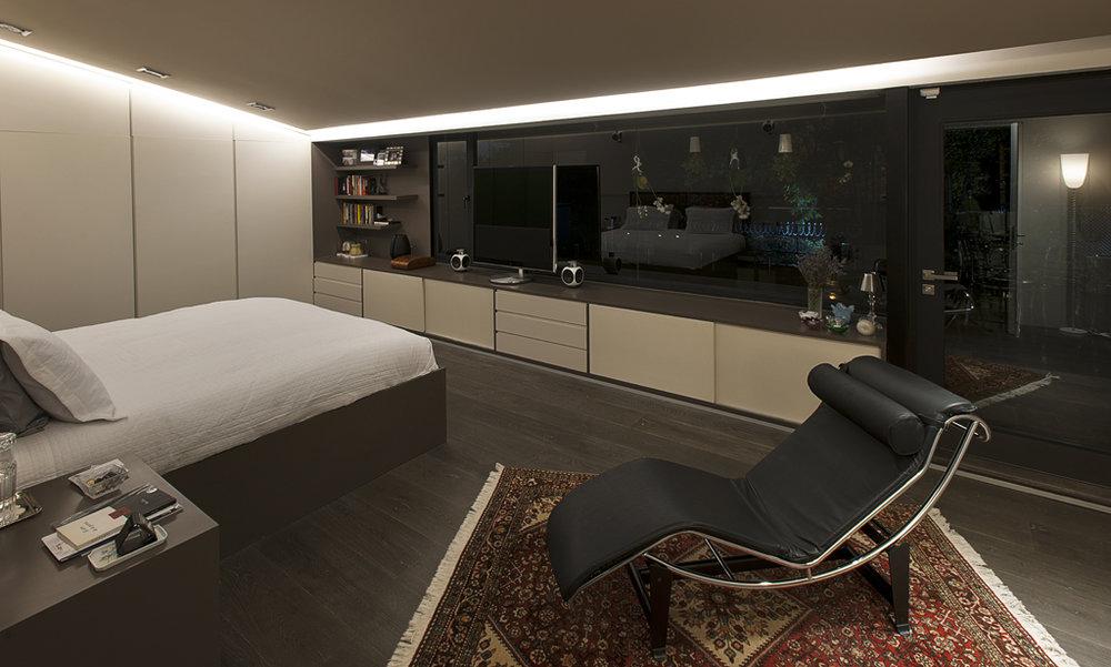 30master bedroom.jpg