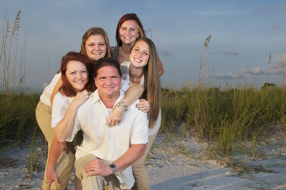 father-family-beach-portrait-florida.jpg