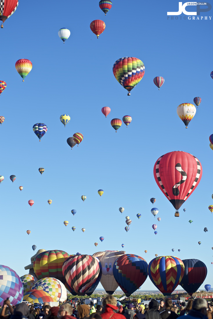 Hundreds of balloons ascended from 6am to 9am at Balloon Fiesta 2017 - Nikon D750 with Nikkor 80-200mm f/2.8D @ f/4 1/500th ISO 100