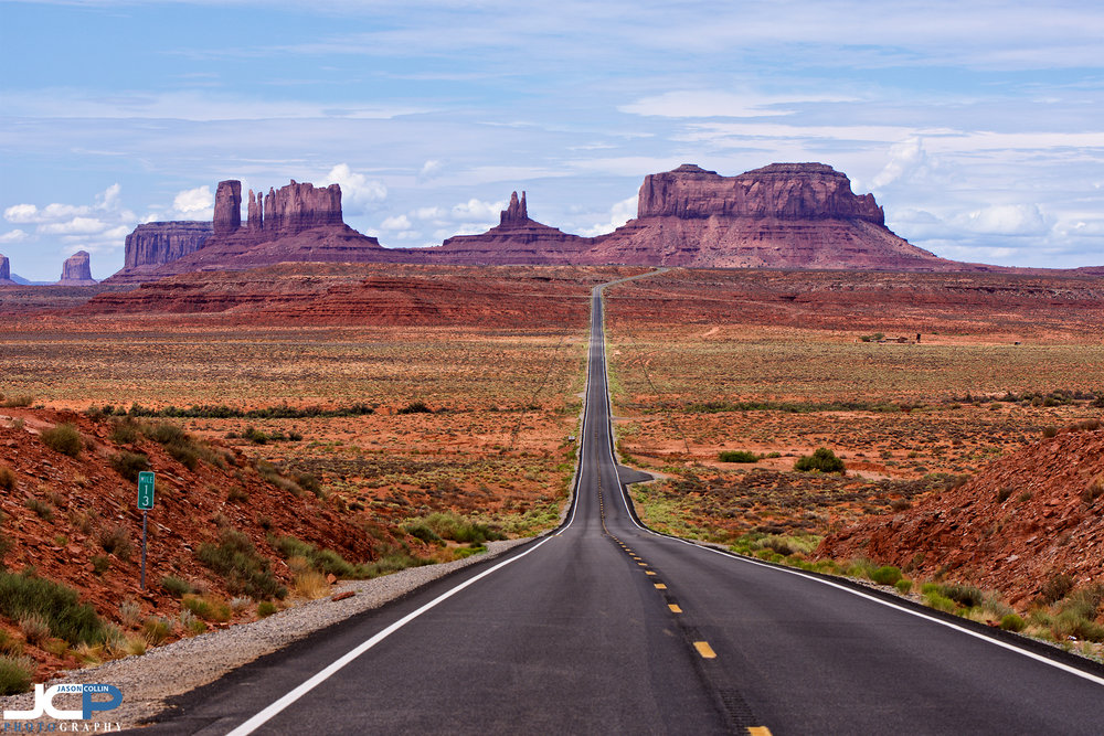 The stunning view from Forrest Gump Point on the road to Monument Valley