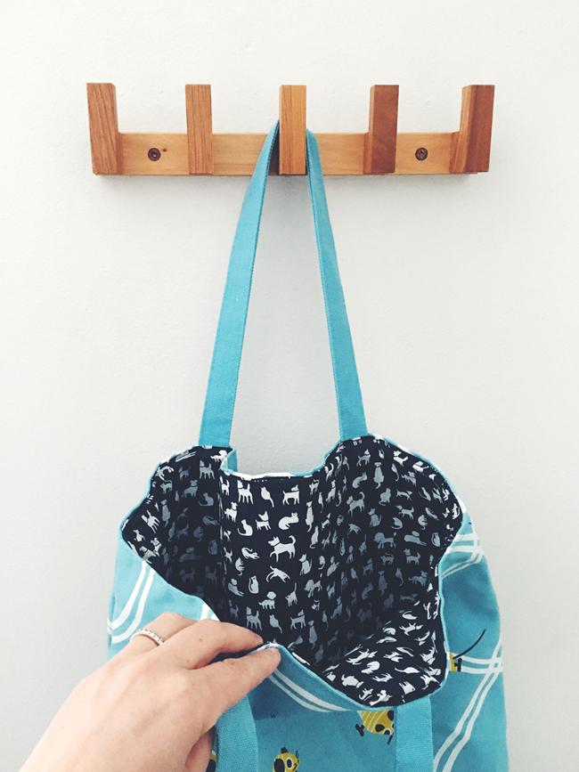 Penelope Dullaghan tote bag for Hill's Pets - Scott Hull Associates