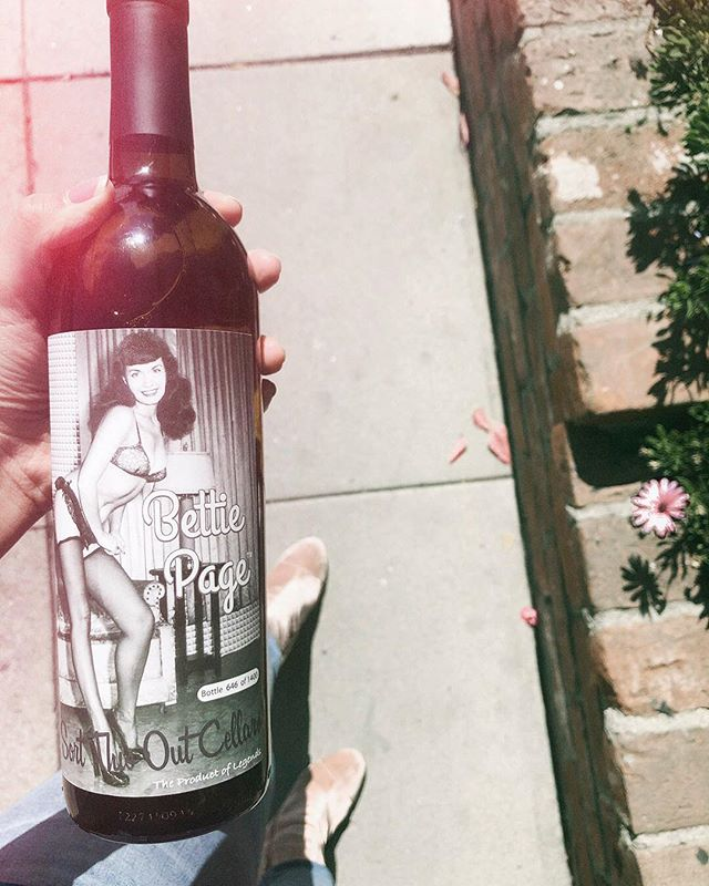 Today I found out our friend *owns* the entire Bettie Page estate. 😶😝😂👌🏻Cheers Mark! 🍷Who else loves Bettie Page as much as me??🍒💣 • • @the.sam.bones , @robbrunner_ , @justindecent , @jimmyjuice , @joesafaqueenan , @the_incredible_sulk__ , @buckproductions , @thebokehcollective , @shanalanaa , @alifeofday , @omarsalamaphoto • • • #riseandgrind #womeninbusiness #roamtheplanet #fempreneur #setlife #productionlife #filmmaking #crewlife #femtrepreneur #tnchustler #beingboss #communityovercompetition #femalepreneur #creativepreneur #theeverydaygirl #pursuewhatislovely #girlbosses #thatauthenticfeeling #darlingmovement #bettypage #abmhappylife #theeverygirl #indiefilmmaker #torontofilm #torontofilmmakers #sidehustle #kriselsley #torontostrong #womenintvandfilm #womeninfilm