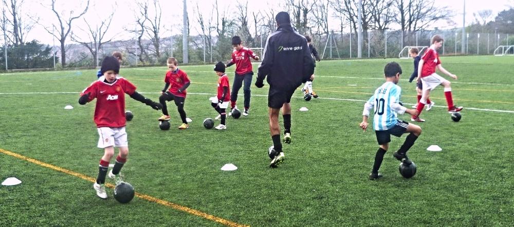 Learn football skills with Techne Global Sports