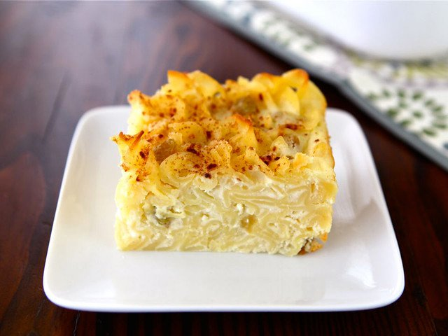 Mammy's Savory Noodle Kugel https://beyondbubbie.com/recipiesblog/mammys-savory-noodle-kugel