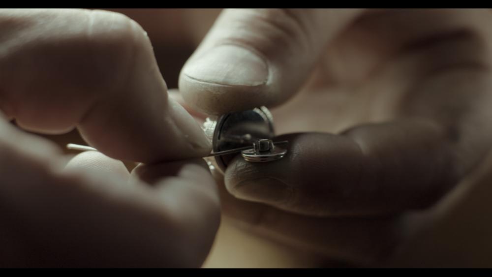 CityCufflinks-Craftmanship Movie Stills Craft Asselmbly.png