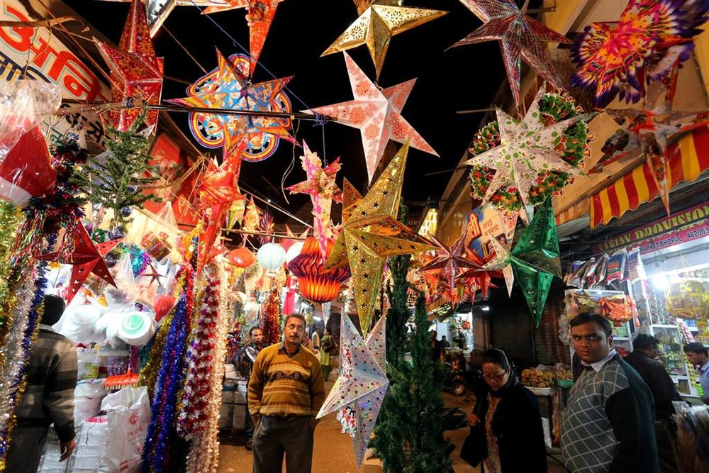 A majority-Hindu nation, Christmas in India is a rare, but beautiful, tradition. In order to mark that this or that village celebrates Christmas, Indians work for months leading up to the holidays to create—at times ornate, and at times rugged—paper lantern Christmas stars that hang ceremoniously from streetlights and building corners.