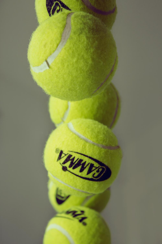 maliqi.tennis.ball.reflection.3.jpg