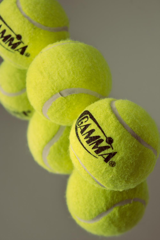 maliqi.tennis.ball.reflection.2.jpg