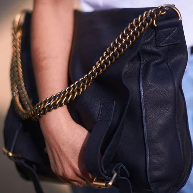 We love this Navy Sleazy Jane from @omybagamsterdam, ethically made in India using naturally dyed, vegetable-tanned leather. #omybagamsterdam #ecoleather #repost #moyoworld #ethical