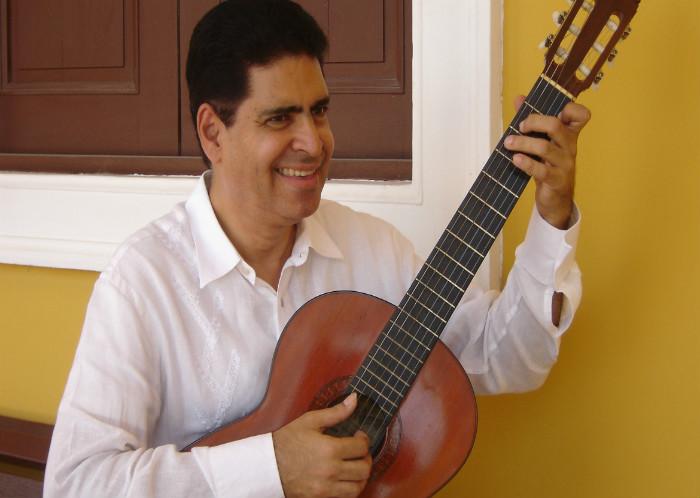 El disco abre con La Fantasía Caribe No. 1, basada en el emblemático tema 'La gota fría', de Emiliano Zuleta Baquero