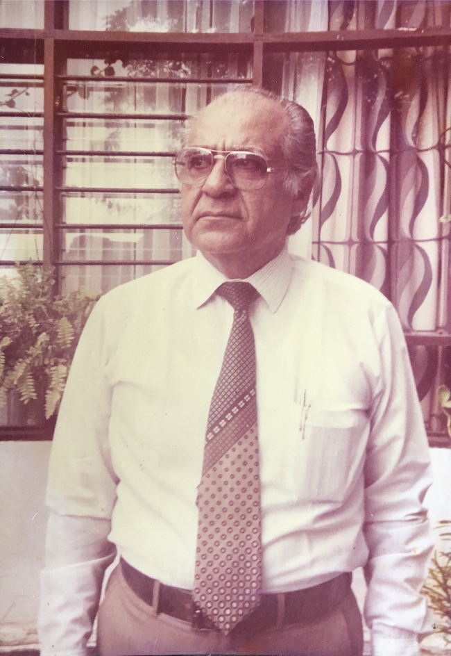 Rafael Campo Miranda - A sus 70 años posando en su residencia de entonces ubicada en el barrio Ciudad Jardín, Calle 76 No. 42-18. Barranquilla. (Archivo RCV)