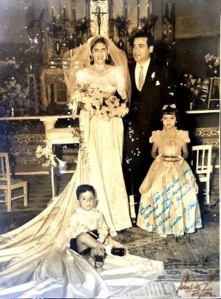 Matrimonio del compositor con su esposa María Del Socorro Vives Trespalacios, ceremonia realizada en la iglesia Nuestra Señora Del Carmen. Abril 17 de 1951, Barranquilla. (Archivo RCV).