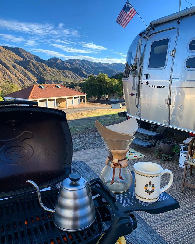 Ran out of propane, so coffee al fresco it is! After two and a half years we still make rookie mistakes sometimes. Trick is to get creative! . . . #livingdriven #airstream #airstreamlife #fulltimerv #liveriveted #myliverivetedlife #ditchingsuburbia #explore #goexploring #endlesscaravan #wanderlust #travel #adventure #adventureisoutthere #roadlife #roadtrip #photooftheday #instadaily  #livefreedomdriven #rovagram #homeiswhereyouparkit #campsite #gorving #findyouraway #coffee #coffeewithaview