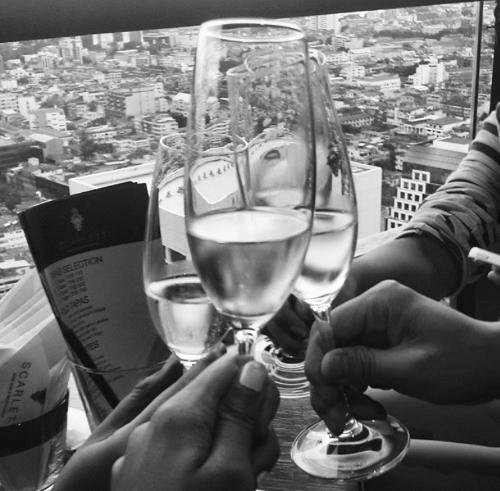 Drinks at the Scarlett Wine Bar & Restaurant
