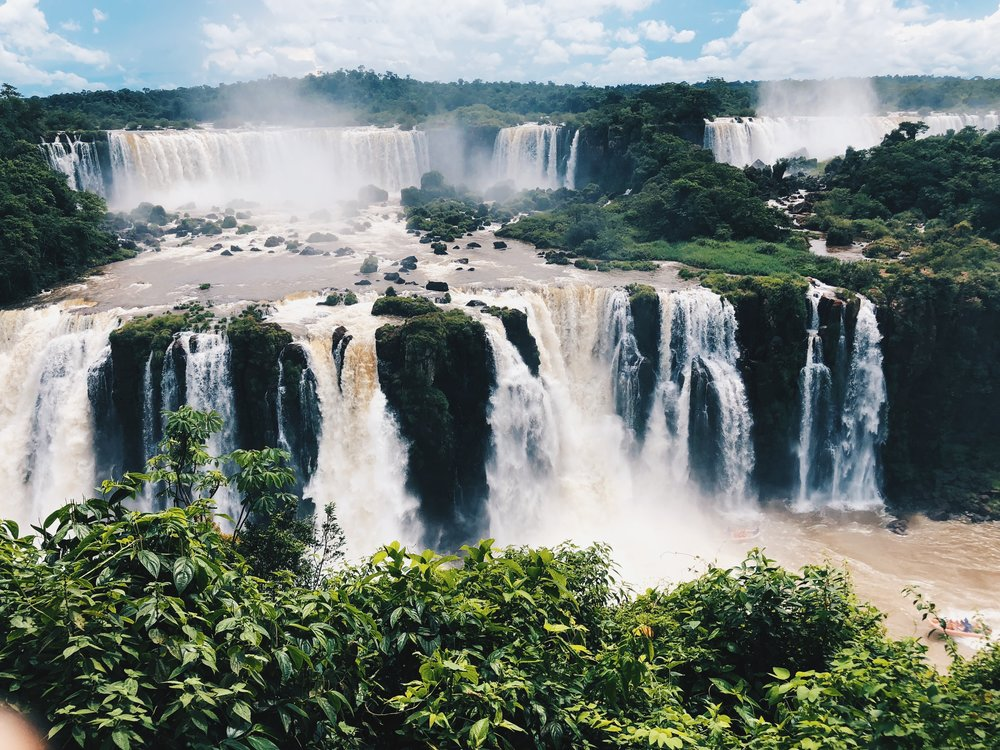 The Ultimate Guide to Visiting Both Sides of the Iguazu Falls