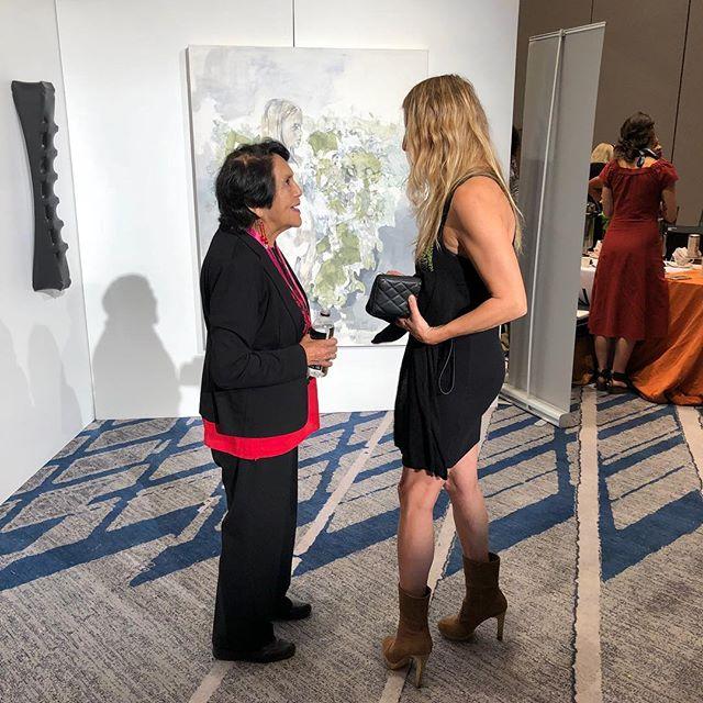 Having a great talk with civil rights activist Dolores Huerta Founder of Dolores Huerta Foundation. Powerful woman! ❤️❤️❤️#powerwomensummit #wrapmagazine #wrapwomen #art#activist#figurativeart #losangeles #abstractart #drawing #art #loveart #women #womenempowermen