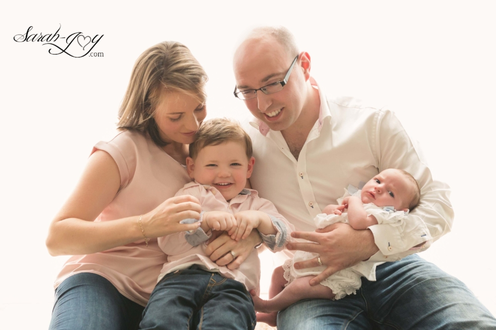What to wear in a newborn photography shoot
