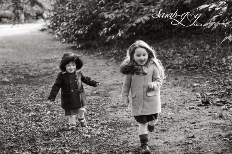girls running in melbourne park