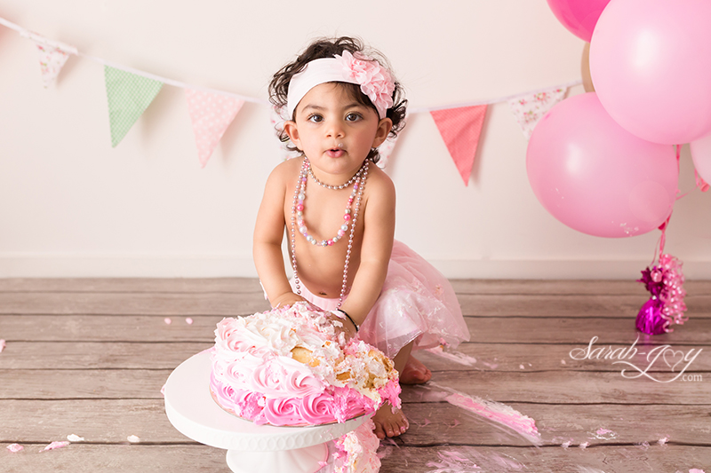 Cake smash photography in Melbourne