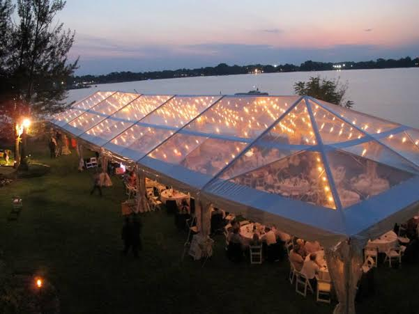 40' x 100' w/clear top & bistro lights