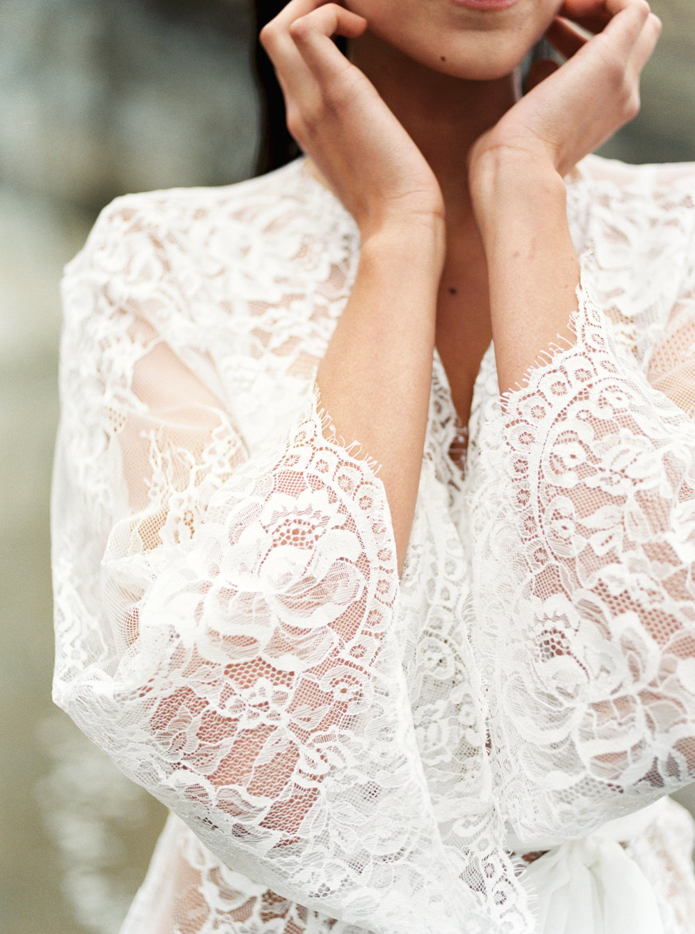 bridal lace robe Victoria