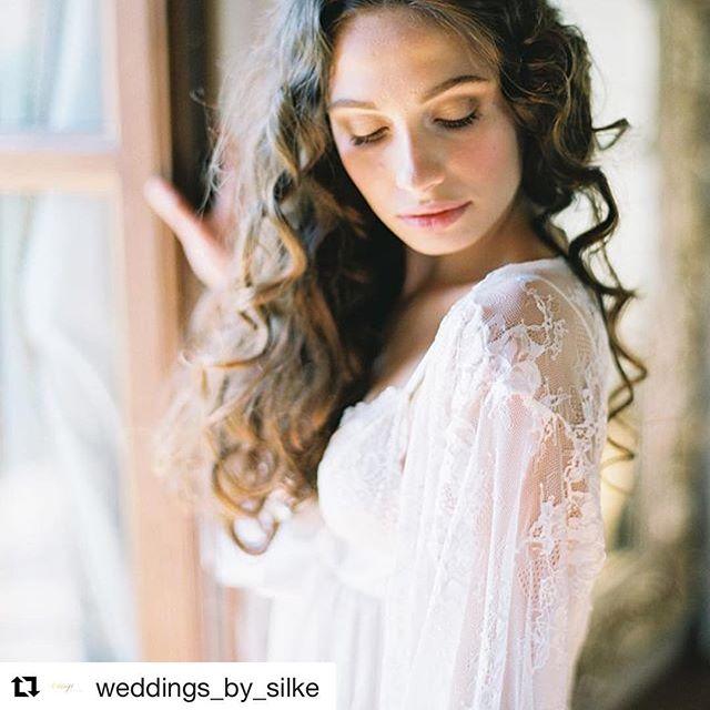 #Repost @weddings_by_silke (@get_repost) ・・・ This beautiful bride you will see now at the phantastic weddingblog @stylemepretty (link in bio) Photo @allentsaiphoto planning & styling @weddings_by_silke venue @relaislacortedeipapi MUA @laranavarrini & @antonellamacaluso_ dress @musat.official models @espritmodelmanagement jewelry @shapirodiamonds stationary @seniman_calligraphy headpiece @janniebaltzer robe @mespetitesdentelles underwear bride @victoriassecret florals @onlyartfiori silkribbons @silkandwillow shoes @zorobrautmode ringbox @the_mrs_box #underthetuscansun #unterdersonnedertoskana #stylemepretty